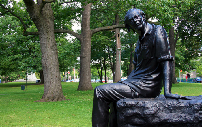 Image of Al Purdy statue in Queen's Park