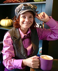 Michele avec sa casquette Steampunk!